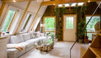 wnętrze domu z drewna